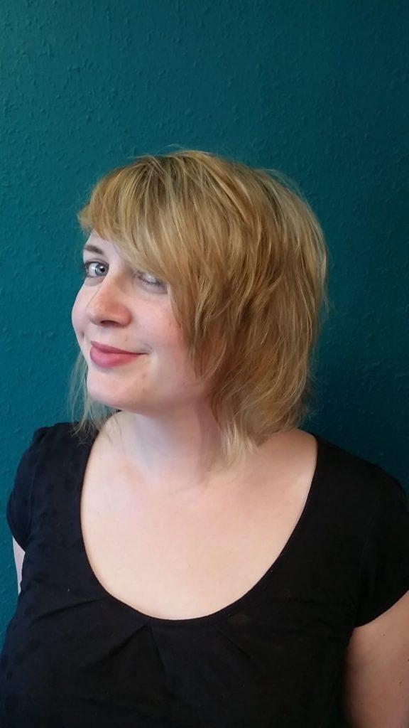 Blond krátké vlasy