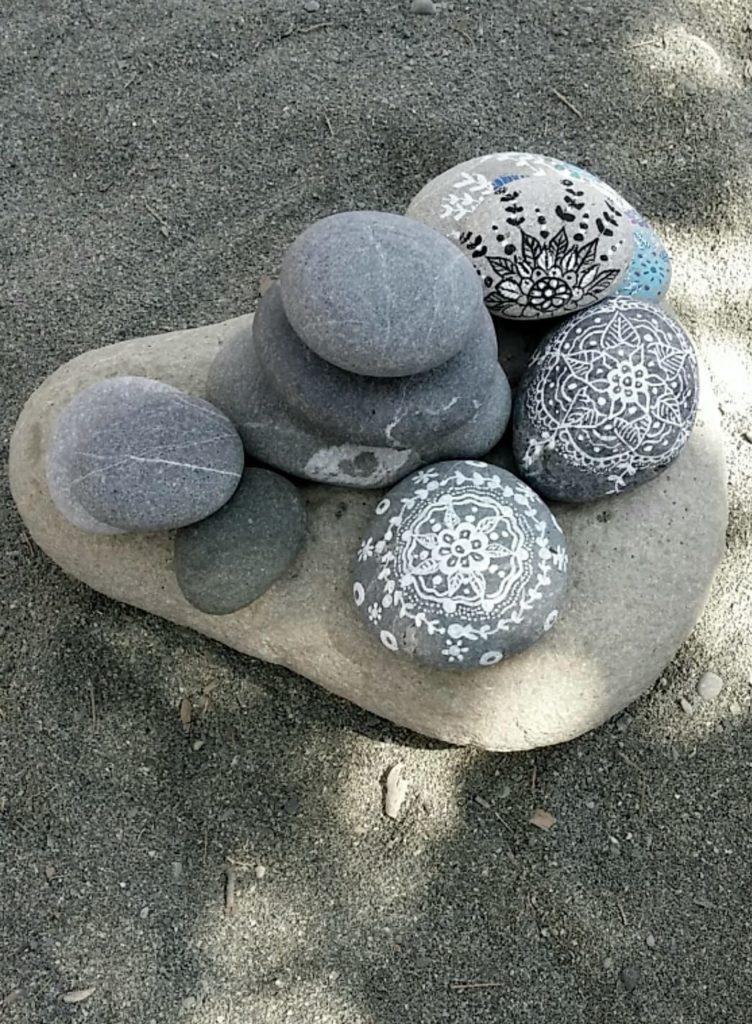kameny, malované kameny